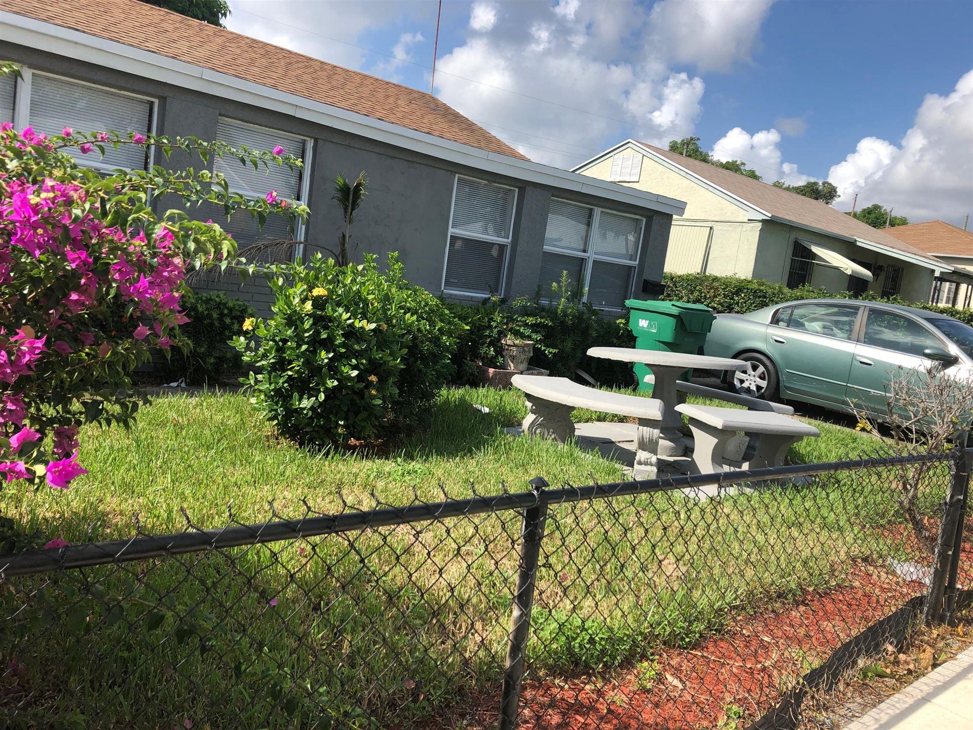 717 W 4th Street, West Palm Beach, FL 33404 - #: RX-10560451