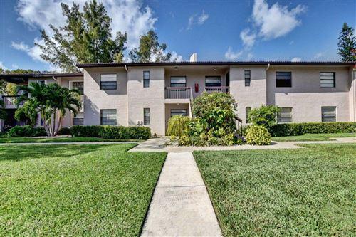 Foto de inmueble con direccion 9205 Pecky Cypress Lane #8d Boca Raton FL 33428 con MLS RX-10602452