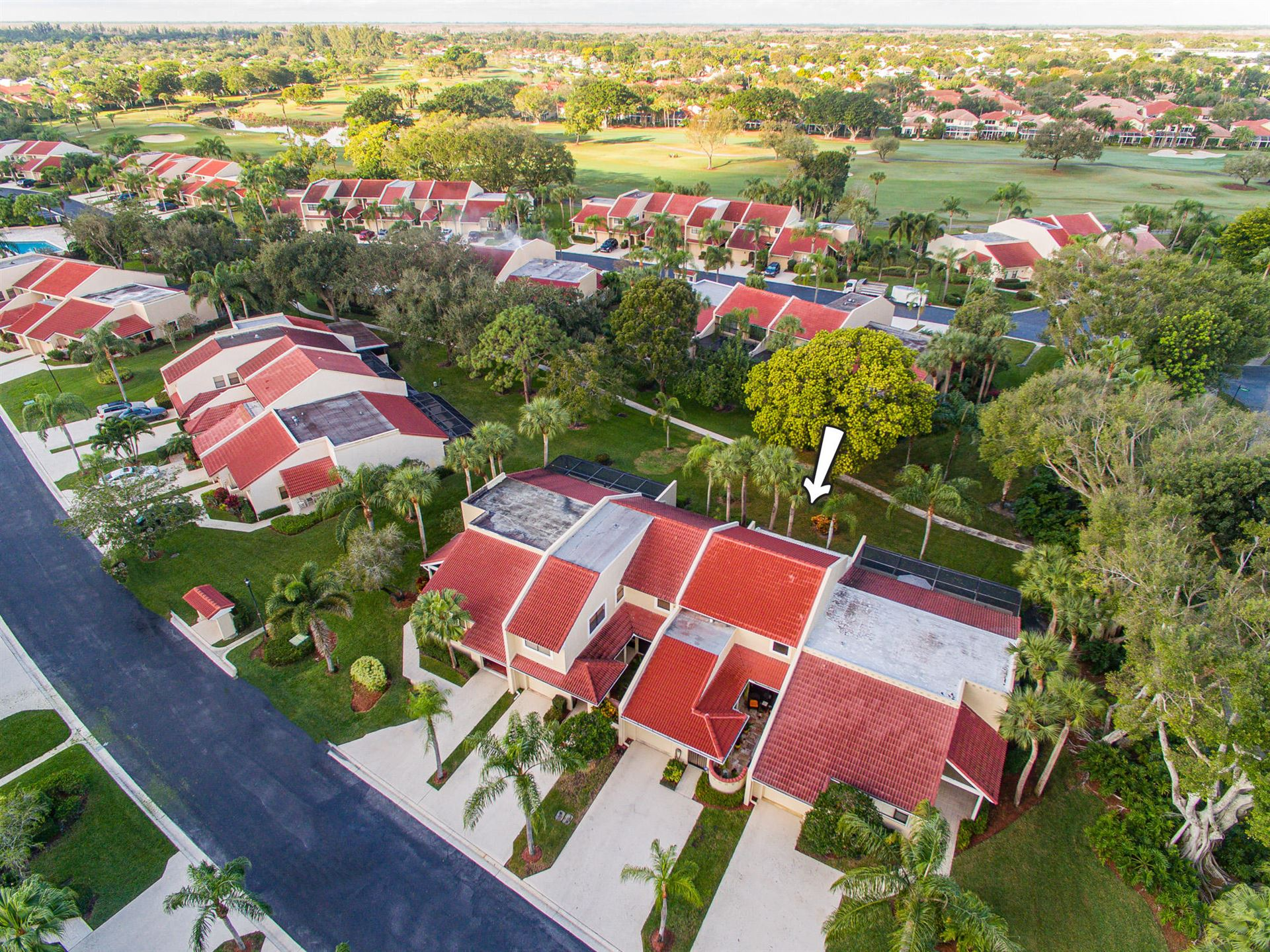 Photo of 807 Windermere Way, Palm Beach Gardens, FL 33418 (MLS # RX-10653457)