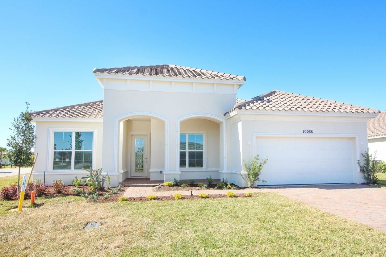 10088 SW Red Oak Court, Port Saint Lucie, FL 34987 - #: RX-10688458
