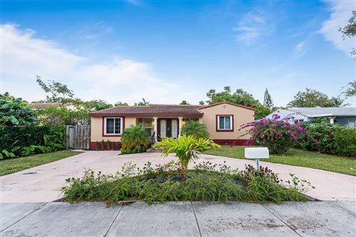 Photo of 1517 Wiley Street, Hollywood, FL 33020 (MLS # RX-10693461)