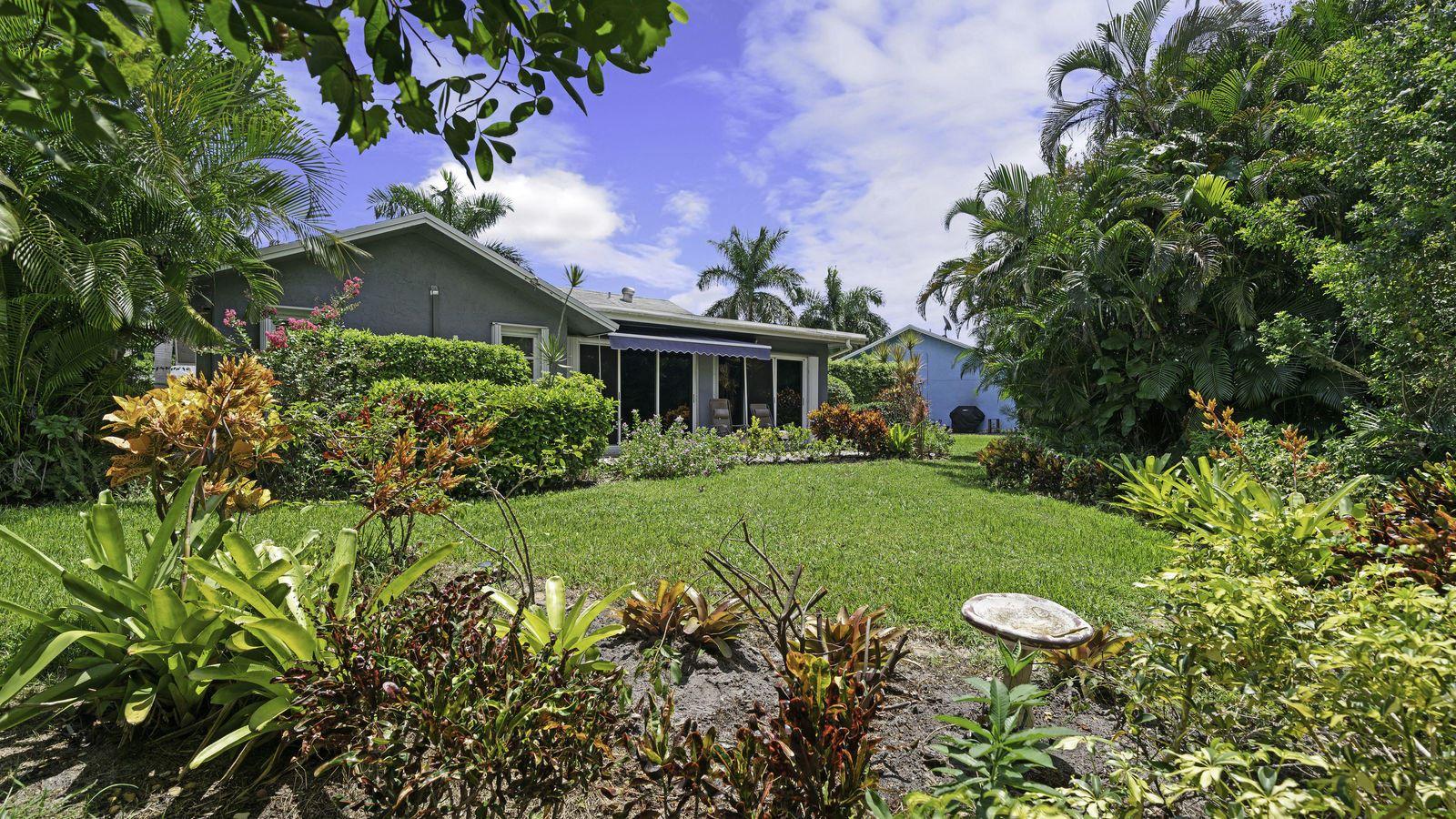299 Del Rio Boulevard, Boca Raton, FL 33432 - #: RX-10653461