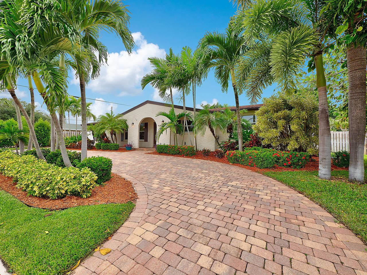 Photo of 753 Dogwood Road, North Palm Beach, FL 33408 (MLS # RX-10657462)