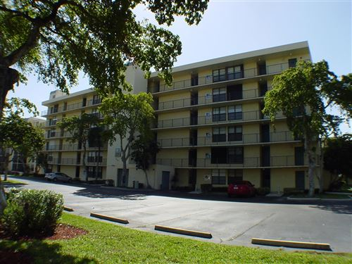 Photo of 9 Royal Palm Way #106, Boca Raton, FL 33432 (MLS # RX-10585464)
