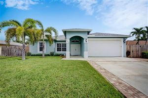 Photo of 645 NE 15th Place, Boynton Beach, FL 33435 (MLS # RX-10547465)