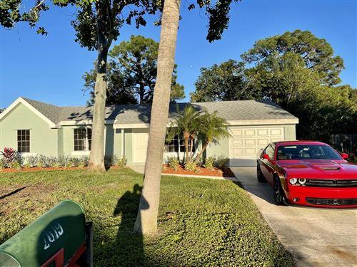 Photo of 2019 SE Parkwood Circle, Port Saint Lucie, FL 34952 (MLS # RX-10675467)