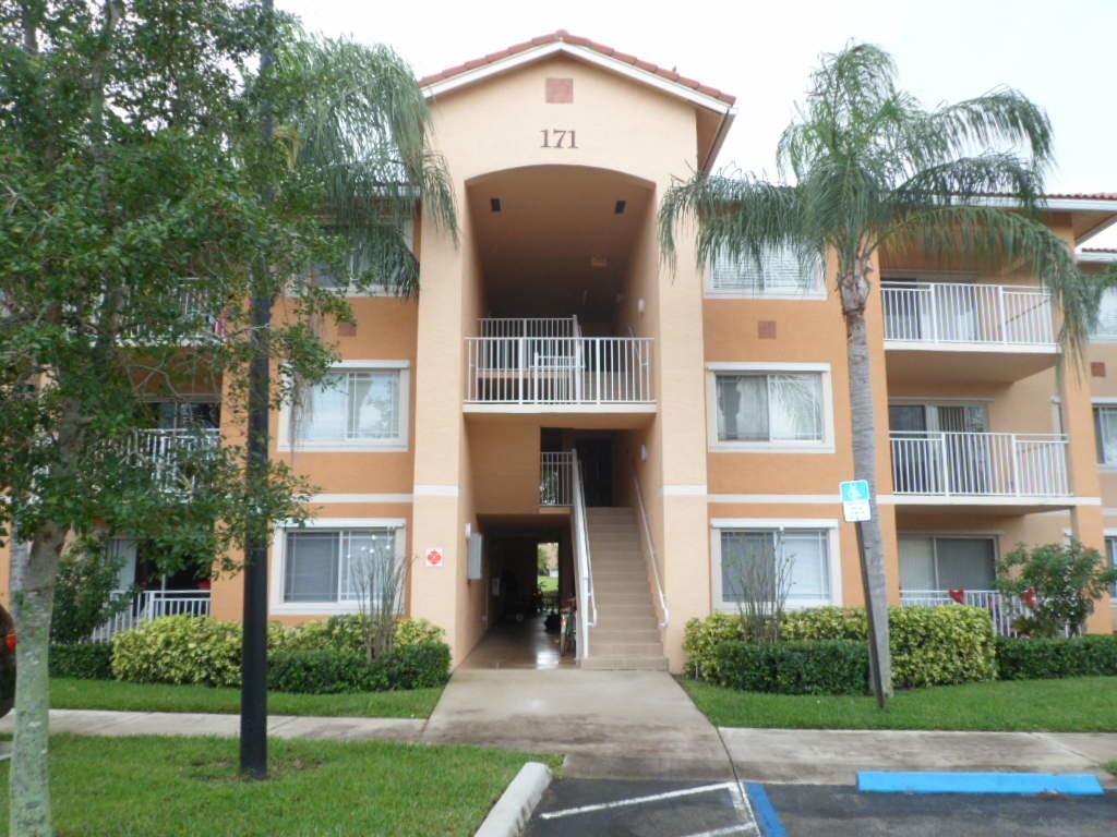 171 SW Palm Drive #104, Port Saint Lucie, FL 34986 - #: RX-10601468