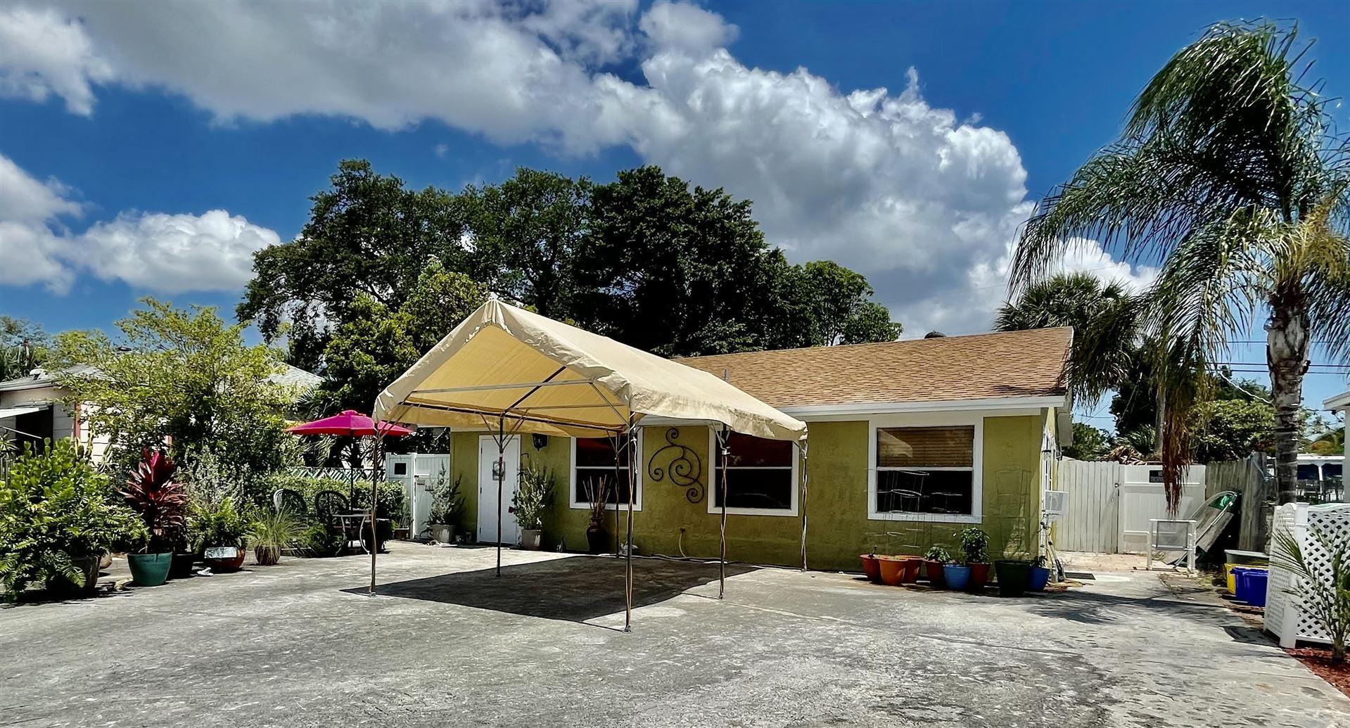 122 E 22nd Court, Riviera Beach, FL 33404 - MLS#: RX-10721468
