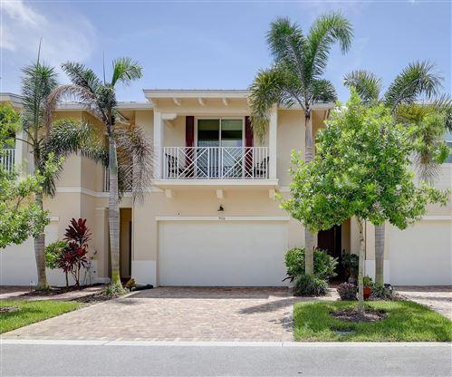 Photo of 5116 Hamilton Court, Palm Beach Gardens, FL 33418 (MLS # RX-10638471)