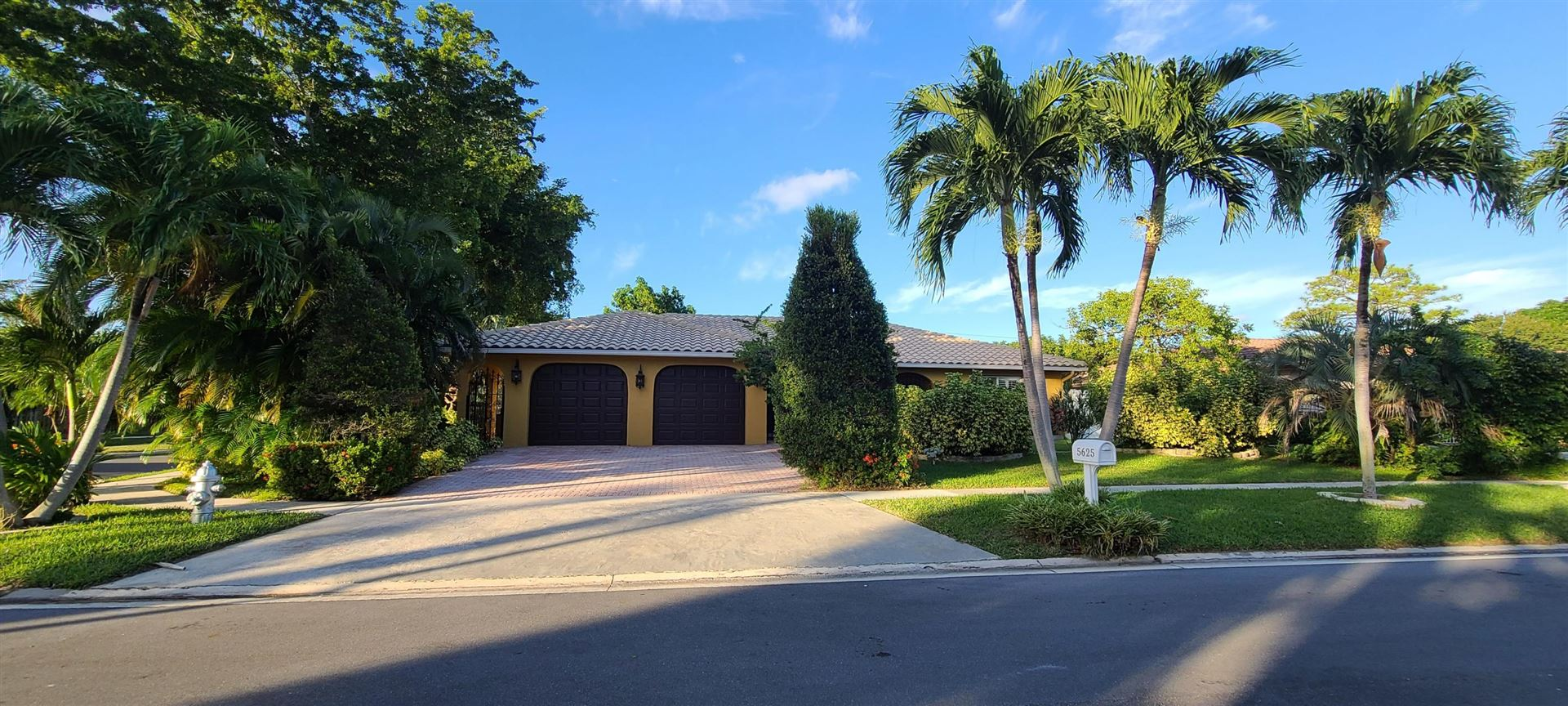 Photo of 5625 Wind Drift Lane, Boca Raton, FL 33433 (MLS # RX-10674471)
