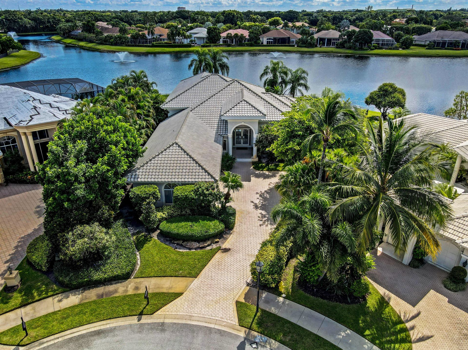 Photo of 15 Saint James Drive, Palm Beach Gardens, FL 33418 (MLS # RX-10659472)