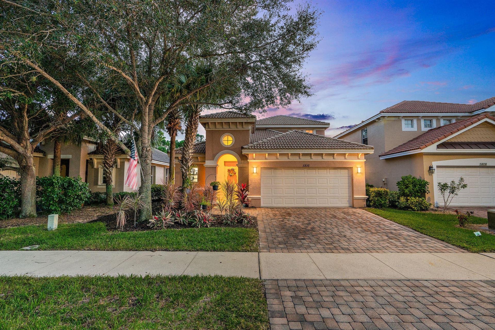 Photo of 5816 SE Crooked Oak Avenue, Hobe Sound, FL 33455 (MLS # RX-10753476)