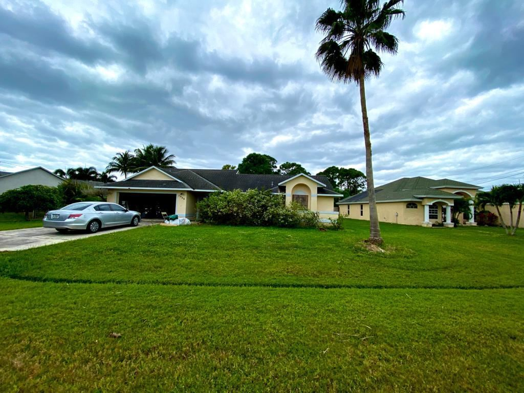 2066 SE Ellington Terrace, Port Saint Lucie, FL 34952 - #: RX-10686479