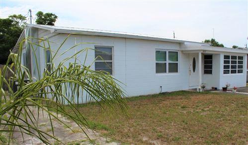 Photo of 2437 1st Court SE, Vero Beach, FL 32962 (MLS # RX-10715480)