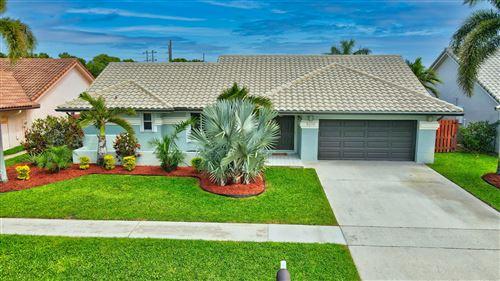 Photo of 9279 Laurel Green Drive, Boynton Beach, FL 33437 (MLS # RX-10694486)