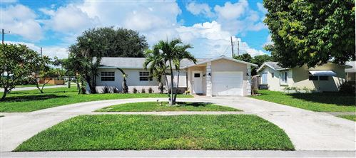Photo of 3201 NE 4th Avenue, Boca Raton, FL 33431 (MLS # RX-10747488)
