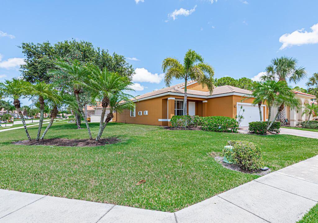 8237 Bellafiore Way, Boynton Beach, FL 33472 - #: RX-10723488
