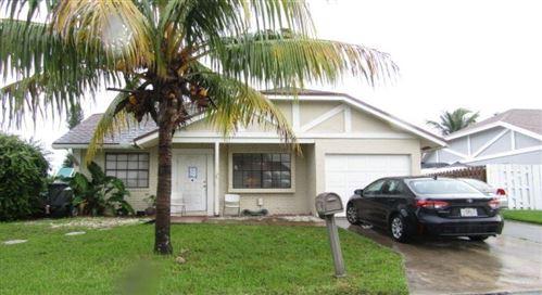Photo of 10534 Country Club Terrace, Boca Raton, FL 33428 (MLS # RX-10747490)