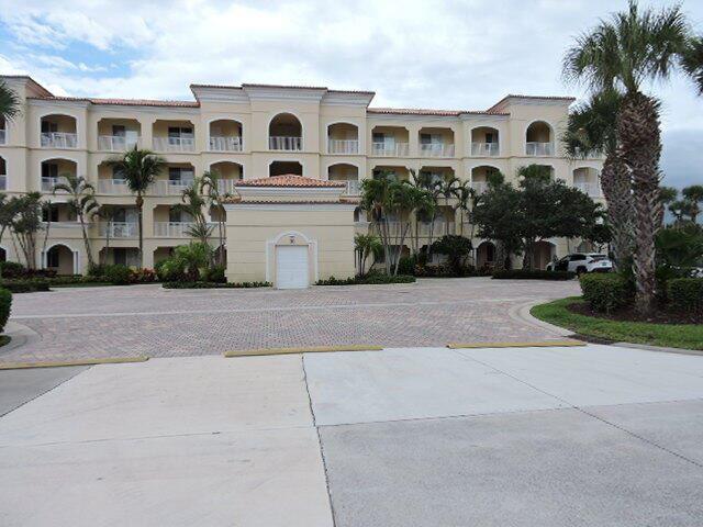 10 Harbour Isle Drive E #206, Fort Pierce, FL 34949 - #: RX-10730491