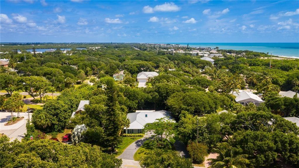 Photo of 907 Tropic Drive, Vero Beach, FL 32963 (MLS # RX-10726493)