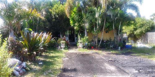 Photo of 5276 SE Horizon Avenue, Stuart, FL 34997 (MLS # RX-10752497)