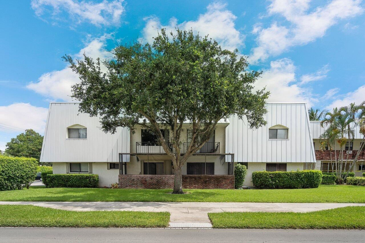 Photo of 875 NW 13th Street #413, Boca Raton, FL 33486 (MLS # RX-10733497)