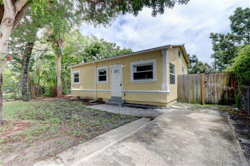 Photo of 815 Briggs Street, West Palm Beach, FL 33405 (MLS # RX-10644500)