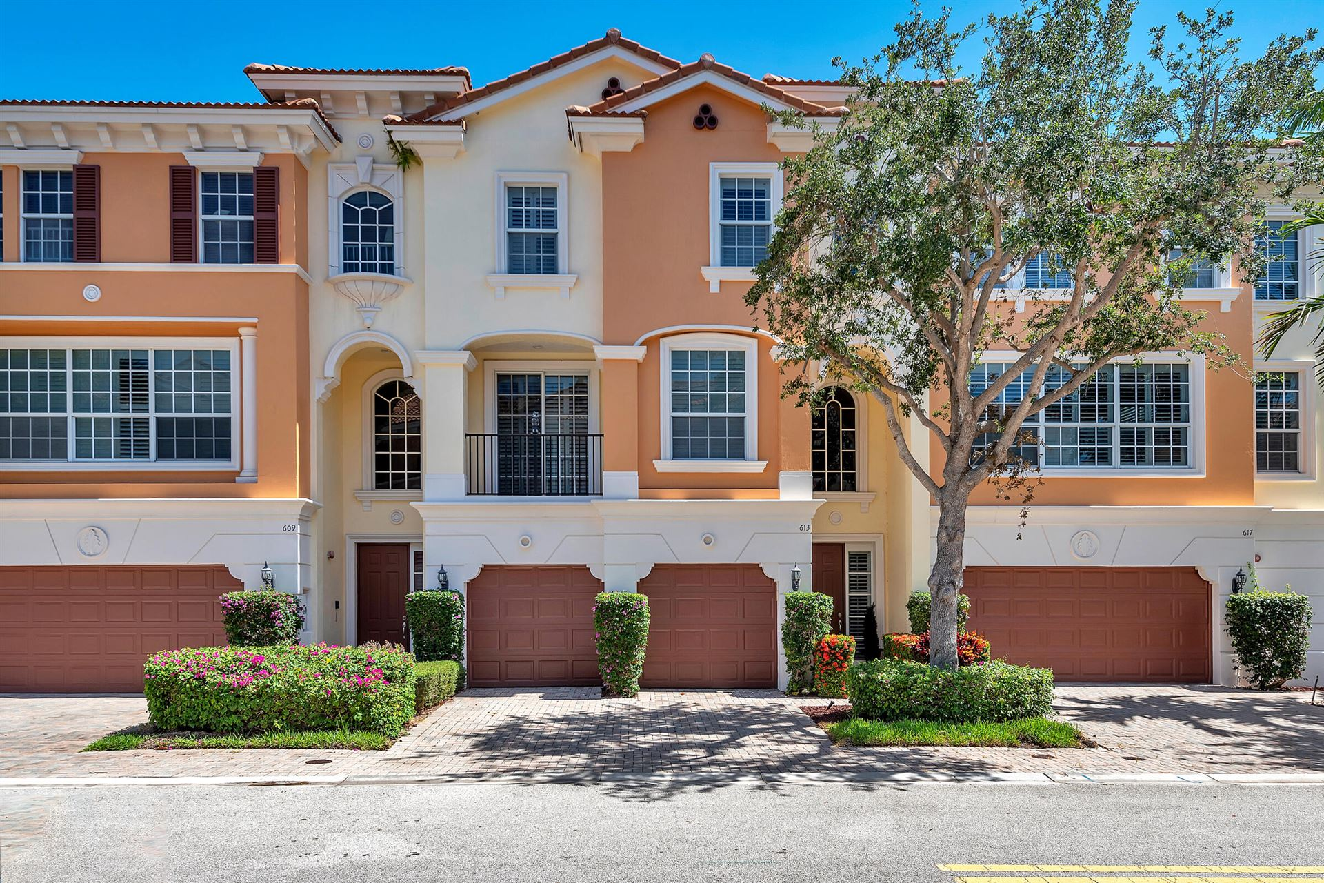 613 NE Francesca Lane, Boca Raton, FL 33487 - MLS#: RX-10722500