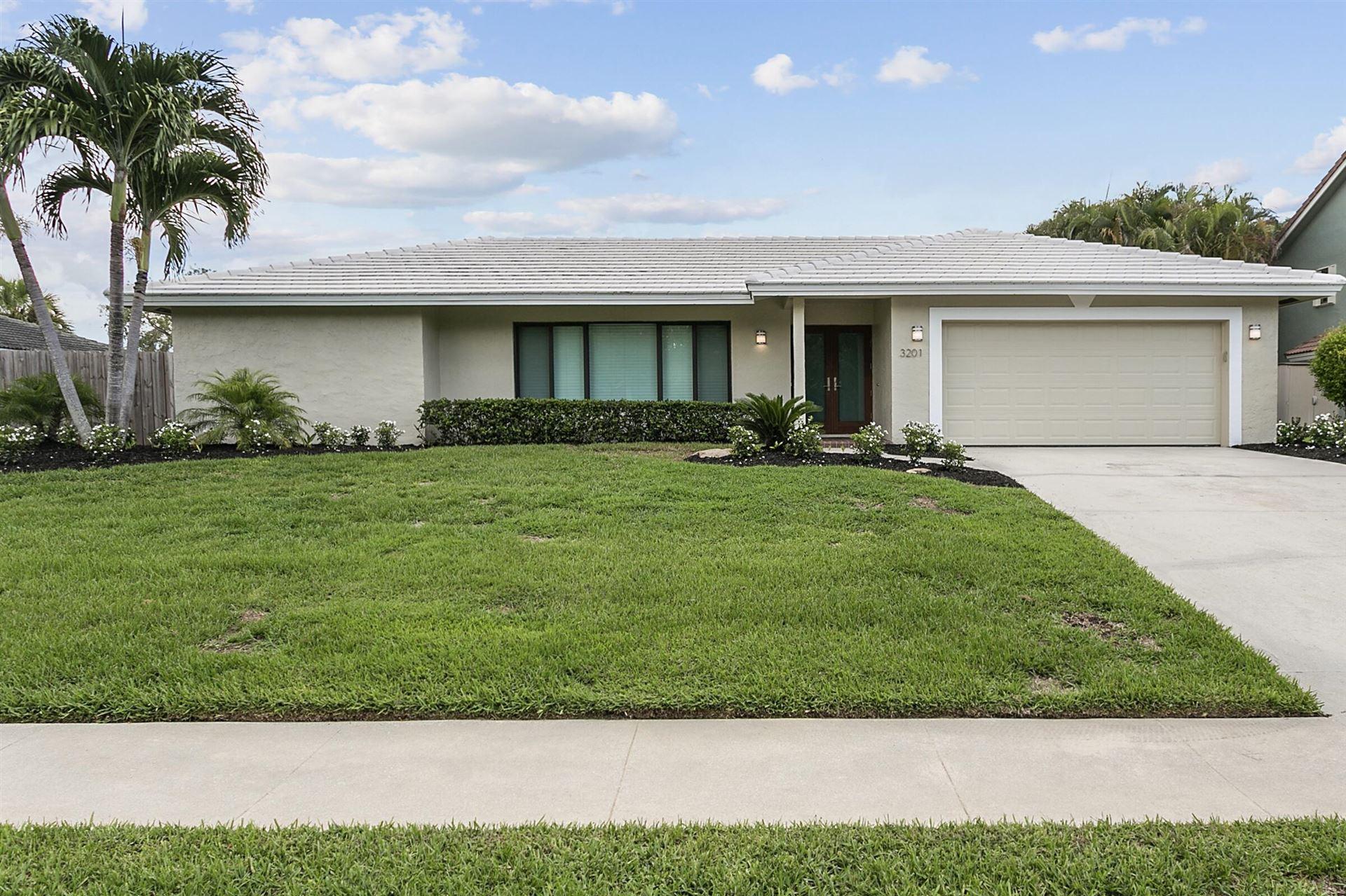 3201 Lakeview Drive, Delray Beach, FL 33445 - #: RX-10749501