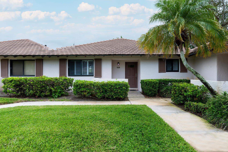 126 Club Drive, Palm Beach Gardens, FL 33418 - #: RX-10754501