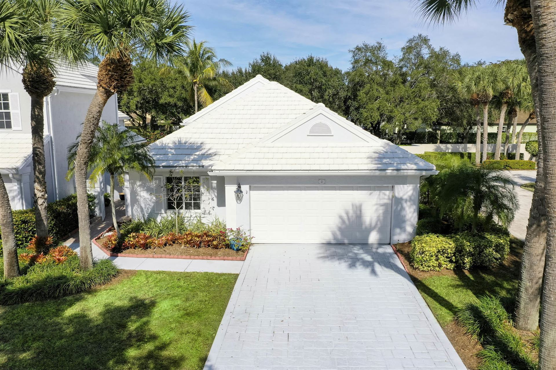 2 Hampton Court, Palm Beach Gardens, FL 33418 - #: RX-10686504