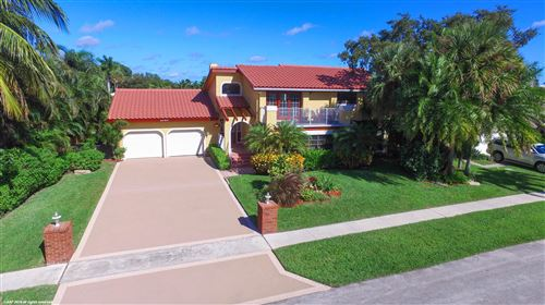 Photo of 711 SW 15th Street, Boca Raton, FL 33486 (MLS # RX-10579507)
