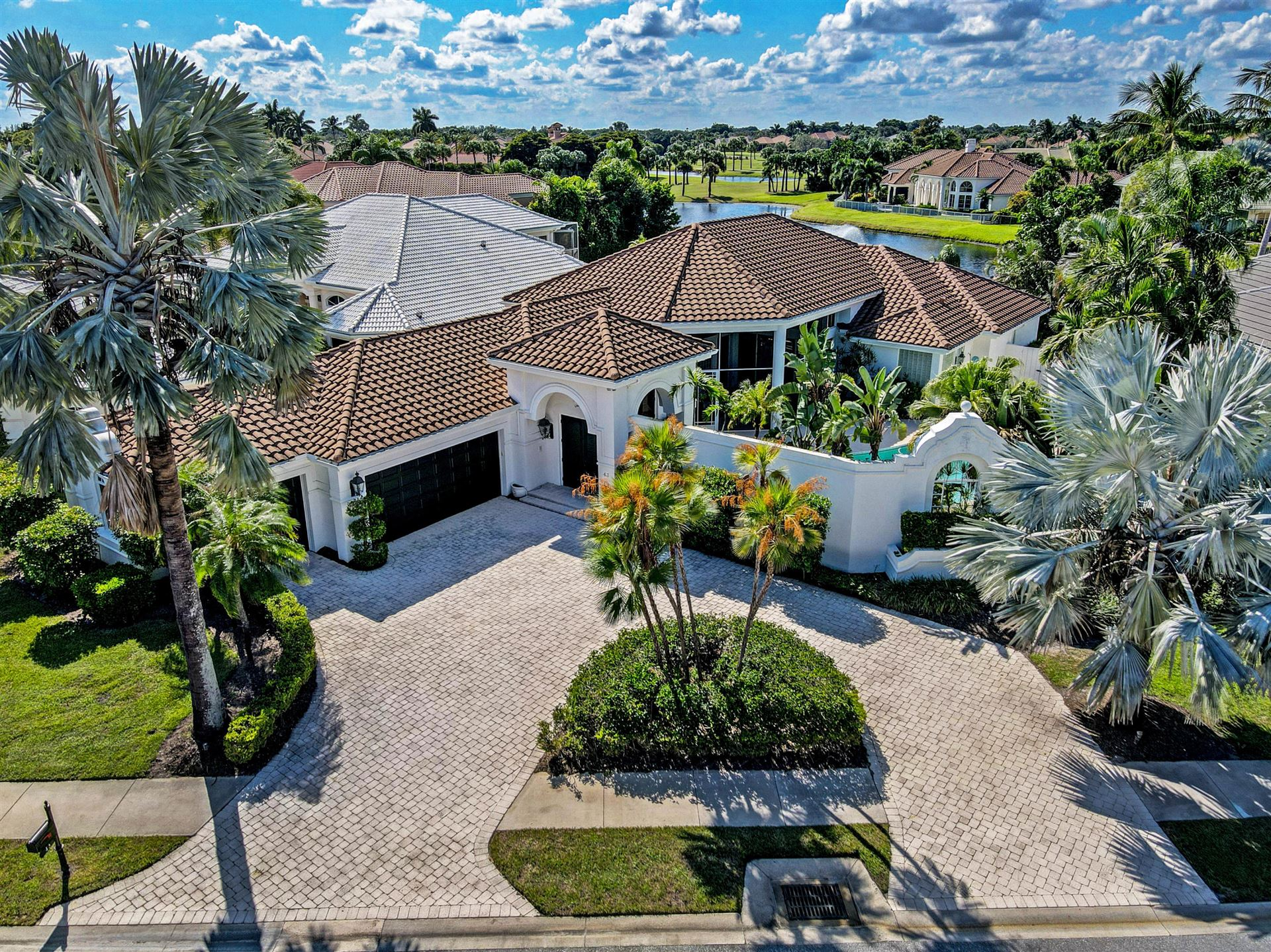 Photo of 43 St James Drive, Palm Beach Gardens, FL 33418 (MLS # RX-10663507)