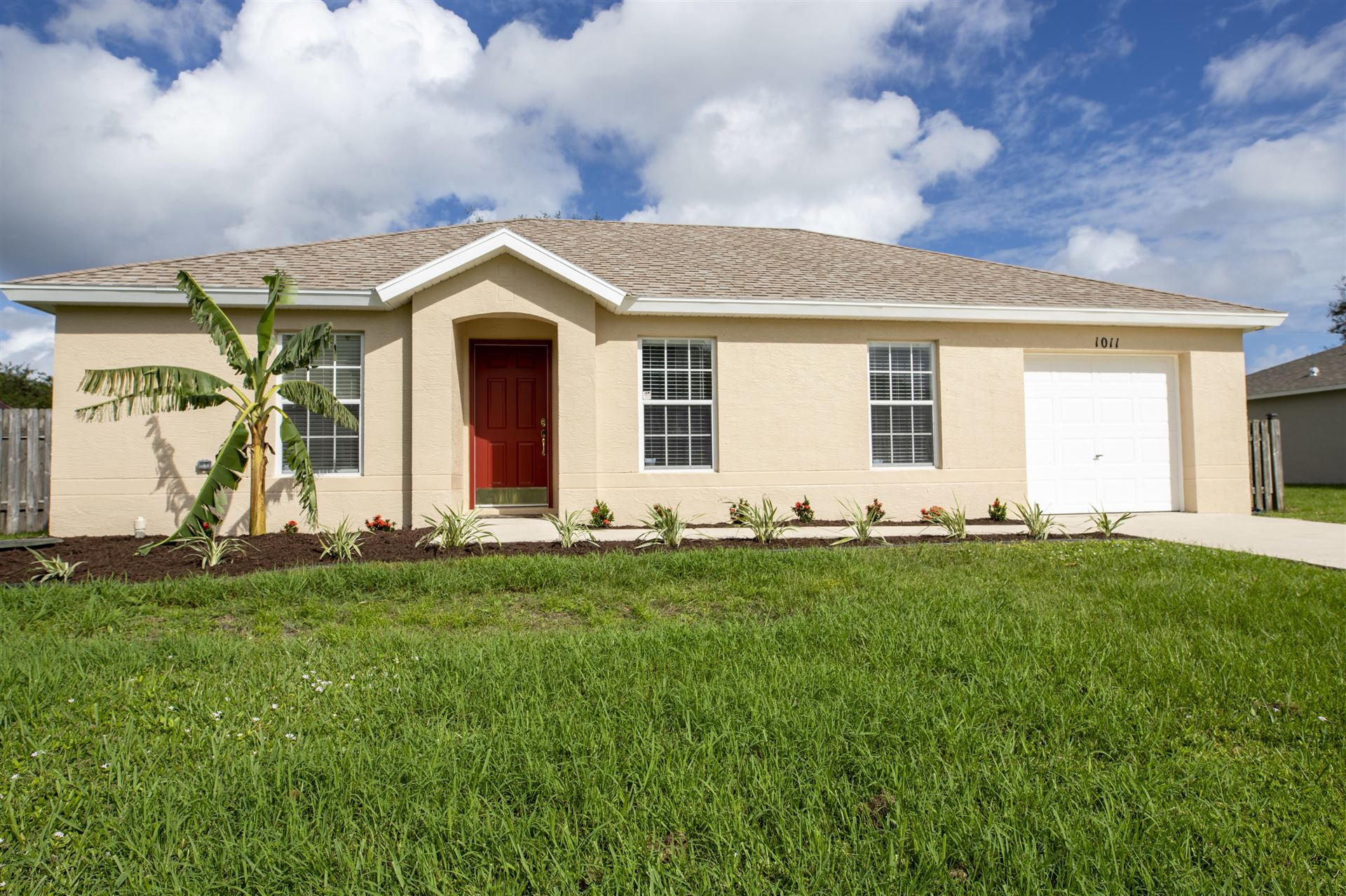 1011 SE Euclid Lane, Port Saint Lucie, FL 34983 - #: RX-10671507