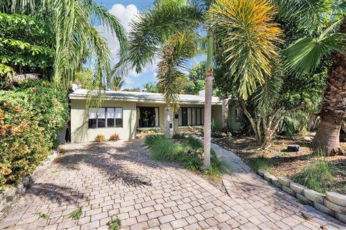 Photo of 742 NE 17th Terrace, Fort Lauderdale, FL 33304 (MLS # RX-10557508)