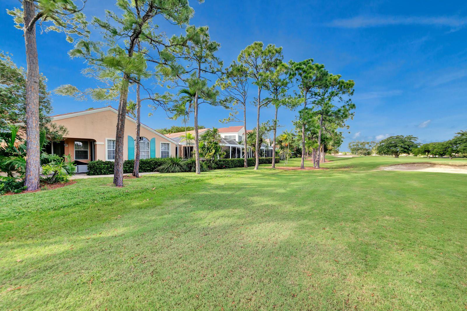 Photo of 29 Via Verona, Palm Beach Gardens, FL 33418 (MLS # RX-10673508)