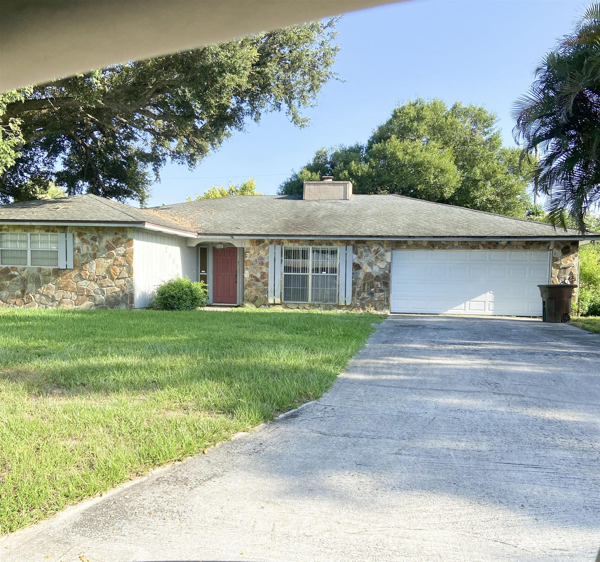 2003 E Esplanade Avenue N, Fort Pierce, FL 34950 - MLS#: RX-10735508