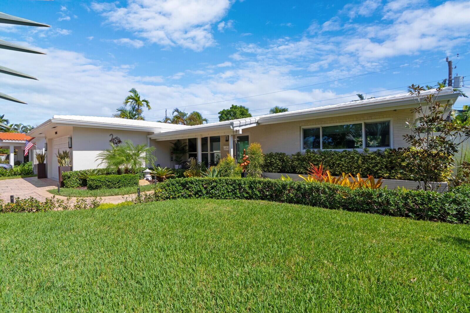 Photo of 5900 NE 21st Terrace, Fort Lauderdale, FL 33308 (MLS # RX-10753510)
