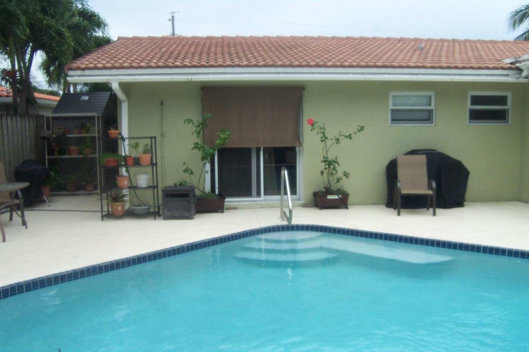 Photo of 2840 NW 9th Terrace, Wilton Manors, FL 33311 (MLS # RX-10689512)