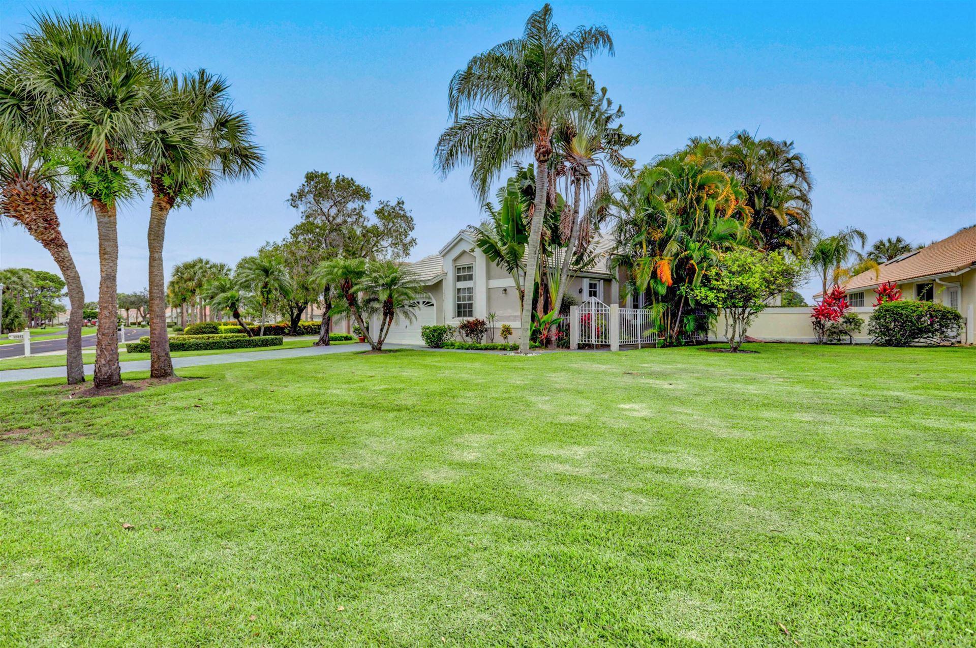 Photo of 12836 Touchstone Place, Palm Beach Gardens, FL 33418 (MLS # RX-10727516)