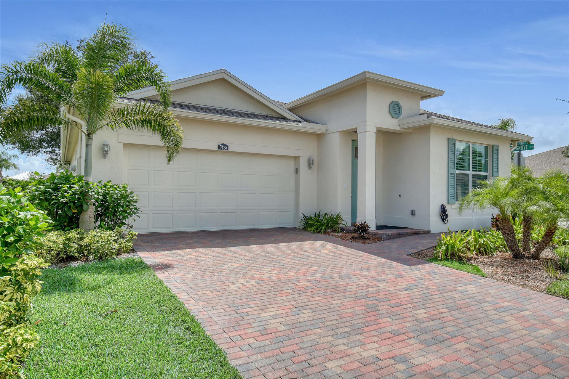 7425 Oakridge Place, Vero Beach, FL 32966 - #: RX-10655517