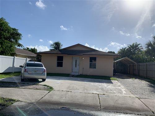 Photo of 3640 N Dixie Highway, Boca Raton, FL 33431 (MLS # RX-10664518)
