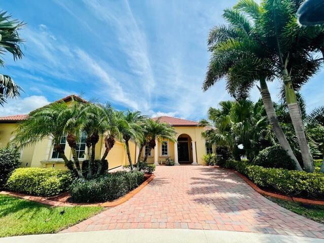 818 SW Saint Julien Court, Port Saint Lucie, FL 34986 - MLS#: RX-10718521