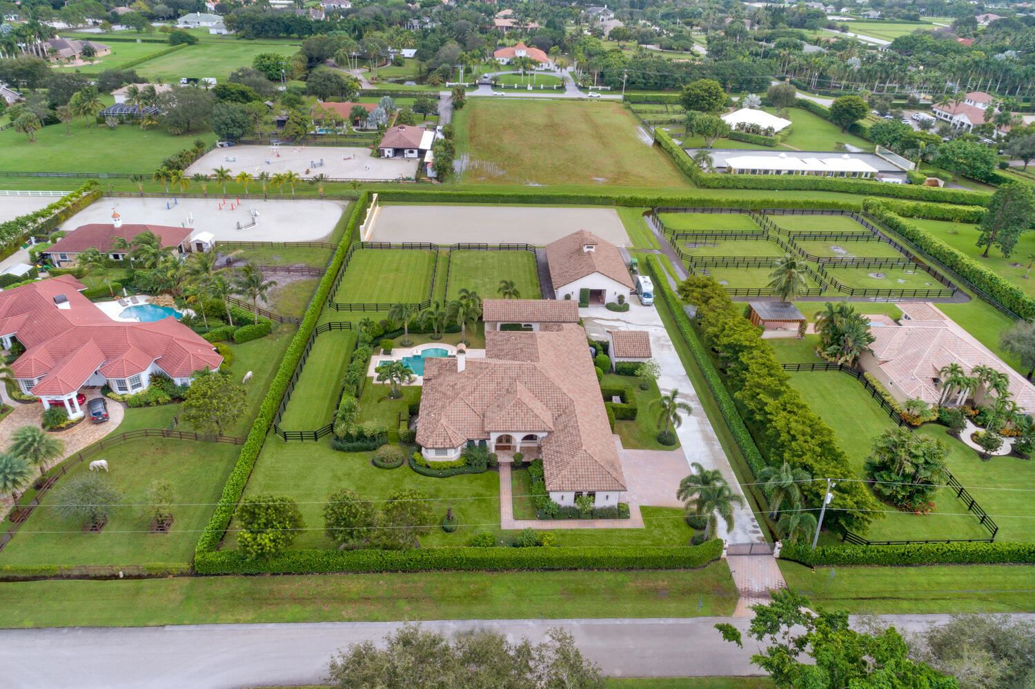Photo of 1761 Clydesdale Avenue W, Wellington, FL 33414 (MLS # RX-10673528)
