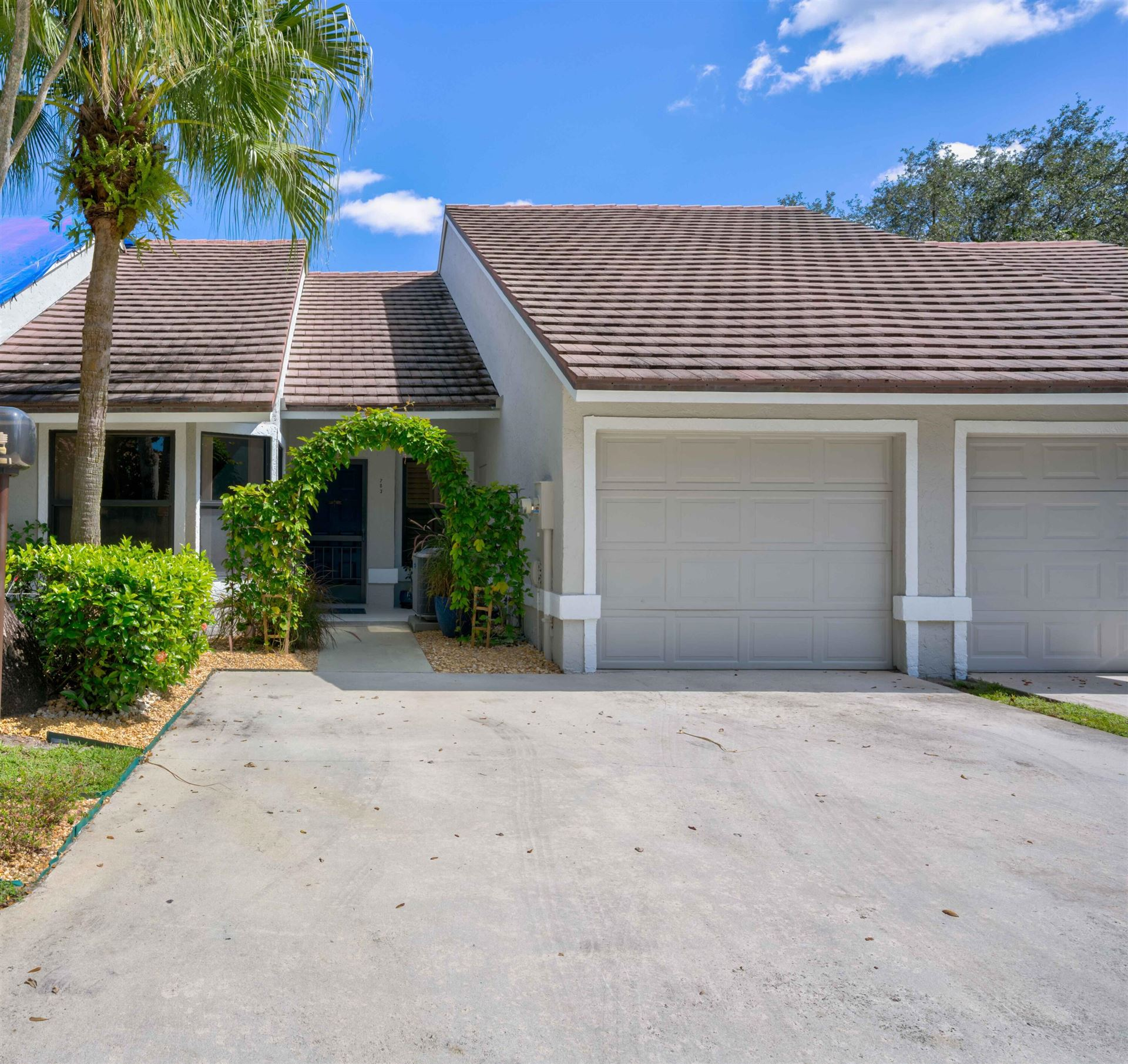 703 Saint Giles Court, Palm Beach Gardens, FL 33418 - MLS#: RX-10753528