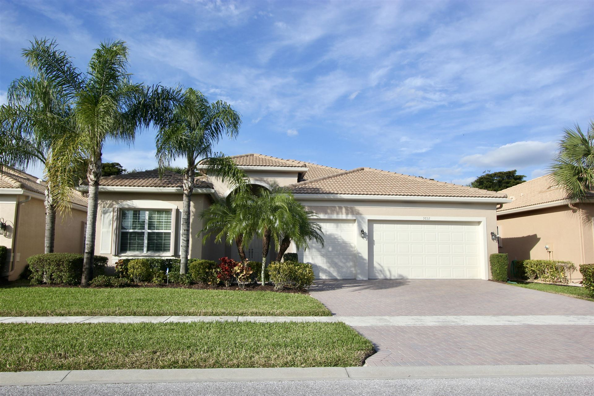 Photo of 9722 Dovetree Isle Drive, Boynton Beach, FL 33473 (MLS # RX-10685529)