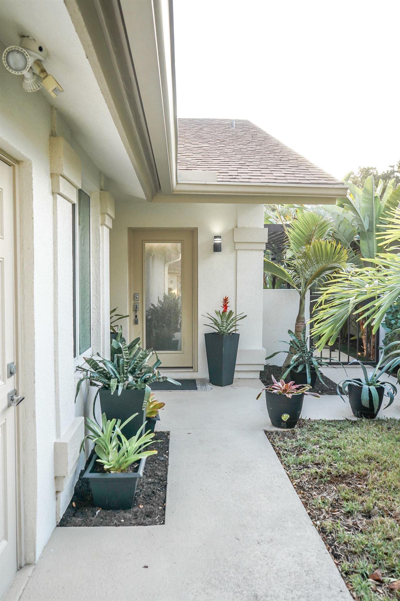 Photo of 126 Seashore Drive, Jupiter, FL 33477 (MLS # RX-10668530)