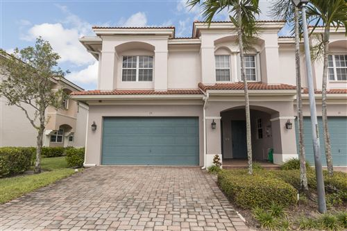 Photo of 15 Nottingham Place, Boynton Beach, FL 33426 (MLS # RX-10577531)