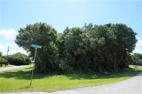 Photo of 1304 Surfside Lane, Sebastian, FL 32958 (MLS # RX-10621533)