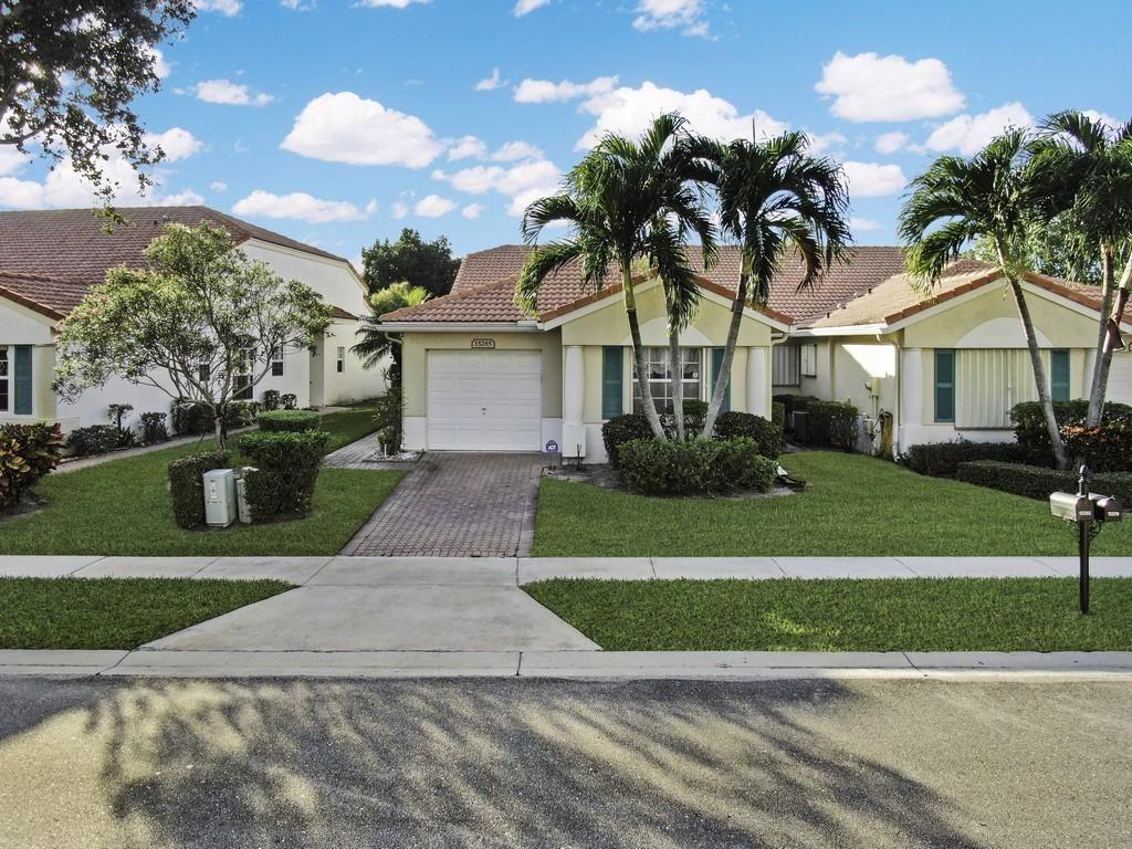 15285 Lake Wildflower Road, Delray Beach, FL 33484 - #: RX-10673533